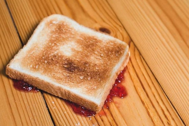 Why does toast often land butter-side down? © Getty Images