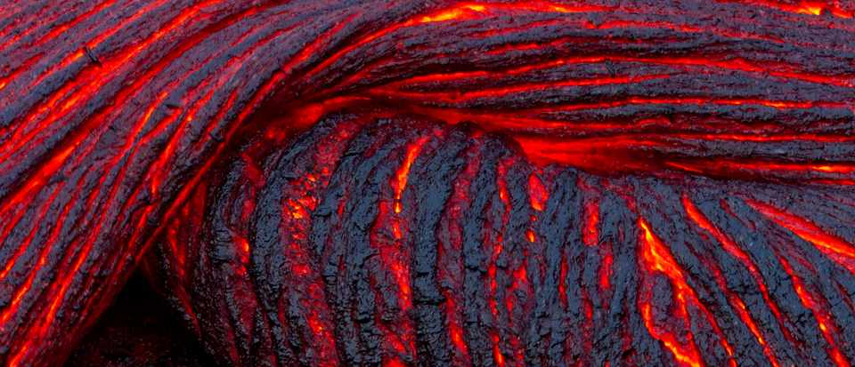 Why is molten lava often covered with zig-zag patterns? © Getty Images