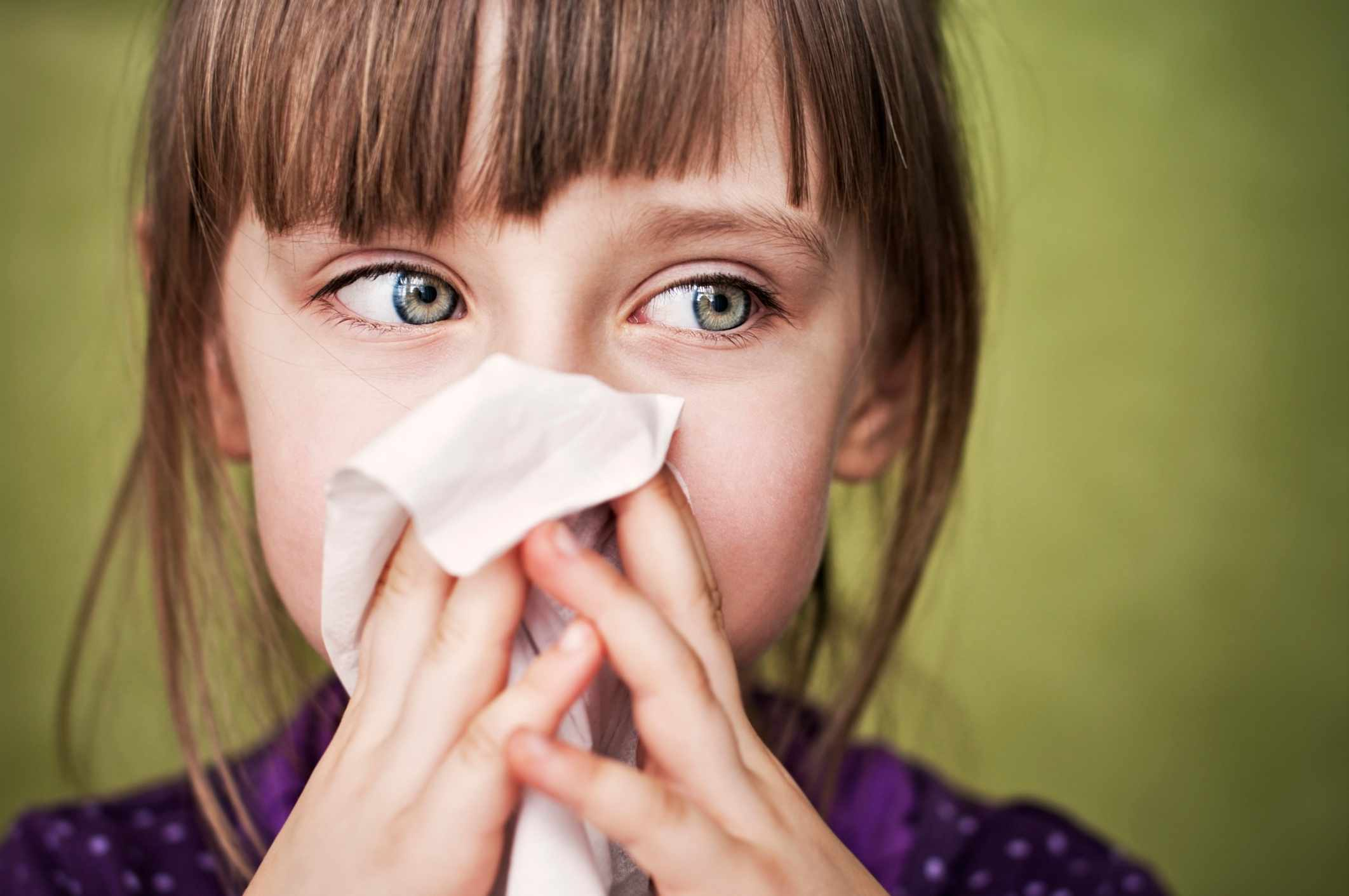 Will my eyes pop out if I don't close them when I sneeze? © Getty Images