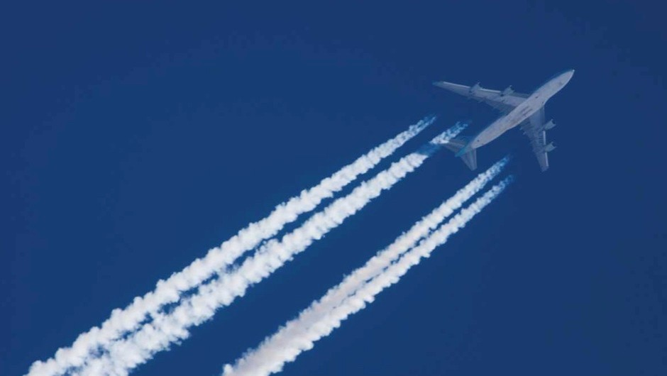 Why do planes leave trails? © Getty Images