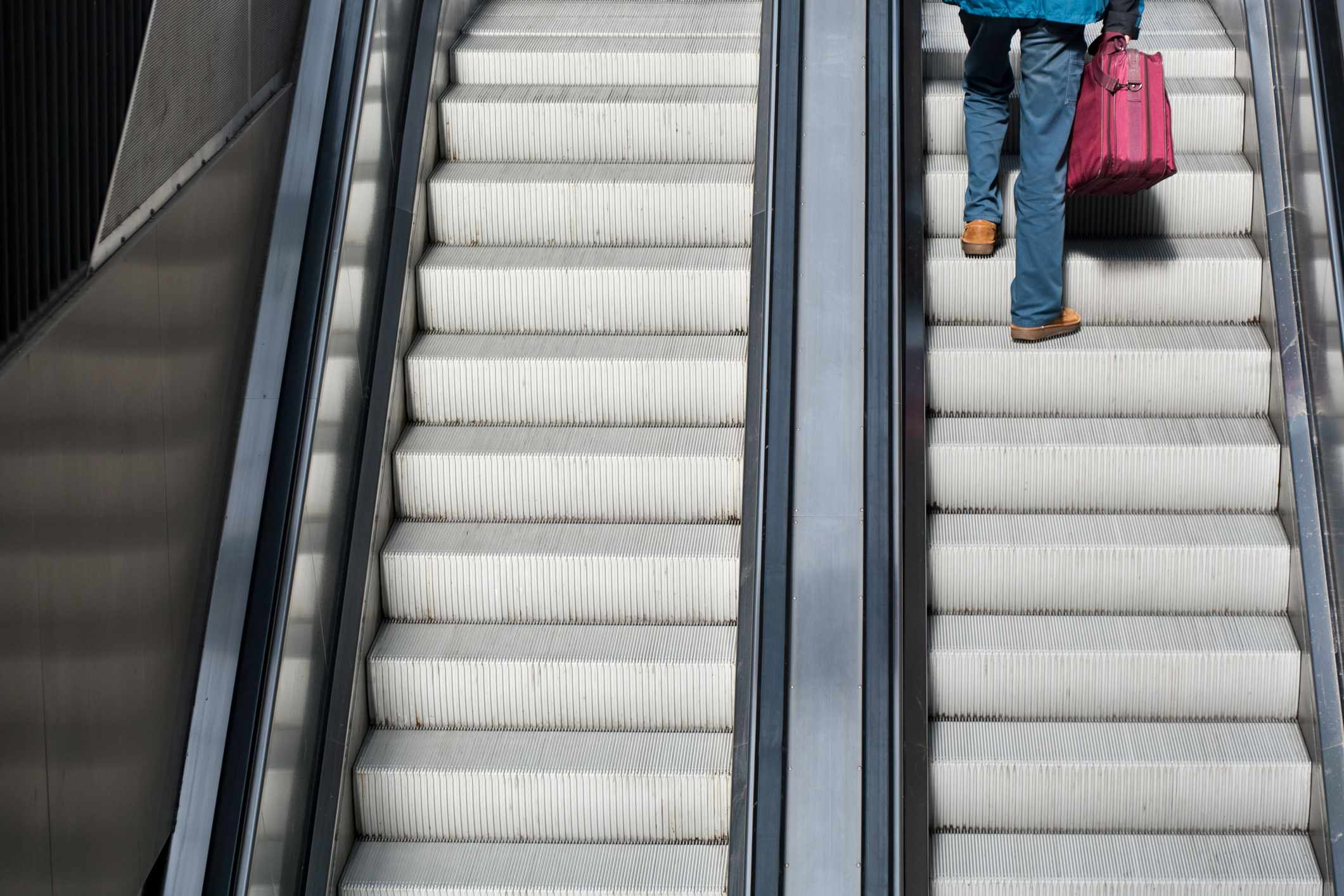 Why does it feel strange to walk up a non-working escalator? © Getty Images