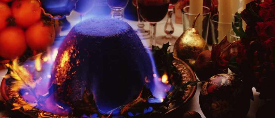 Christmas Pudding On Fire.Why Doesn T A Flaming Christmas Pudding Burn Bbc Science