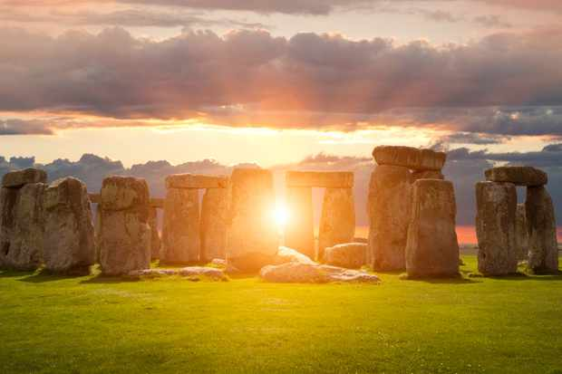 Stonehenge during the summer solstice © Getty Images