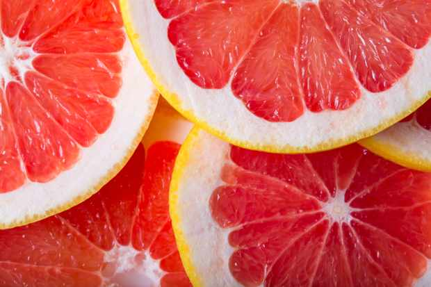 Why does grapefruit juice have an impact on drugs? © Getty Images