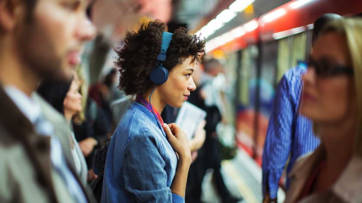 How do noise-cancelling headphones work? © Getty Images