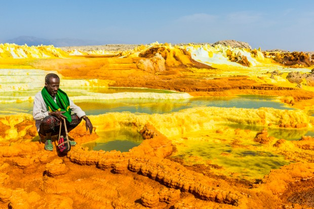 The colourful springs of acid in Dallol, Danakil depression, Ethiopia © Michael Runkel/Getty Images