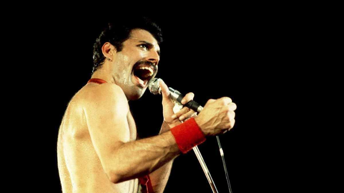 Freddie Mercury of Queen © Paul Natkin/WireImage