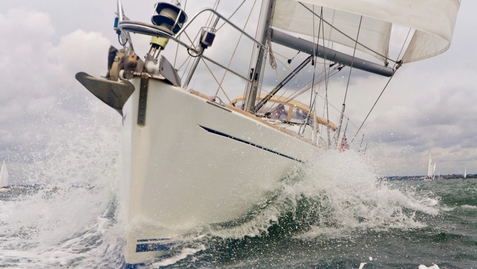 Can boats sail faster than the wind propelling them?