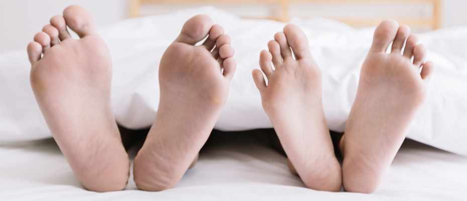 Why do I get cramp in my feet when I'm just lying in bed? © Getty Images