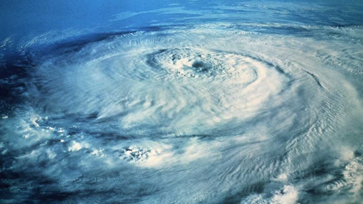 What's the difference between a cyclone and a hurricane? © Getty Images
