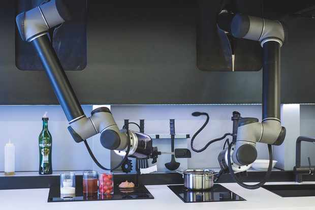 Moley Robotics' chef is modelled on the pros, so you can let it carry on with the cooking while you relax © Moley Robotics