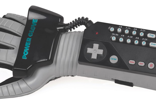 An American Power Glove controller for the NES, made by Mattel (Evan-Amos, via Wikimedia Commons)