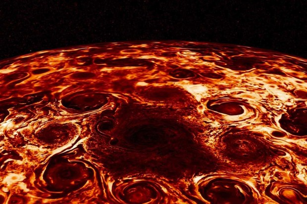 Cyclones at Jupiter's north pole © NASA/JPL-Caltech/SwRI/ASI/INAF/JIRAM