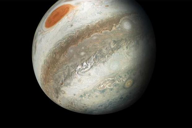 A new perspective of Jupiter © NASA/JPL-Caltech/SwRI/MSSS/Gerald Eichstad/Sean Doran