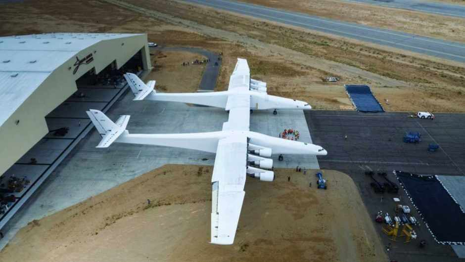 Which plane has the biggest wingspan?