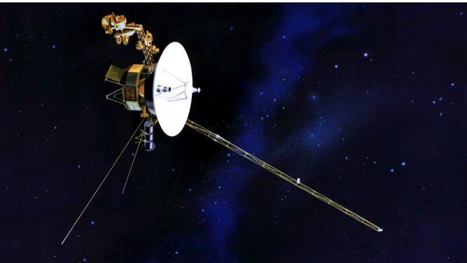 How fast are the Voyager spacecrafts travelling? © NASA
