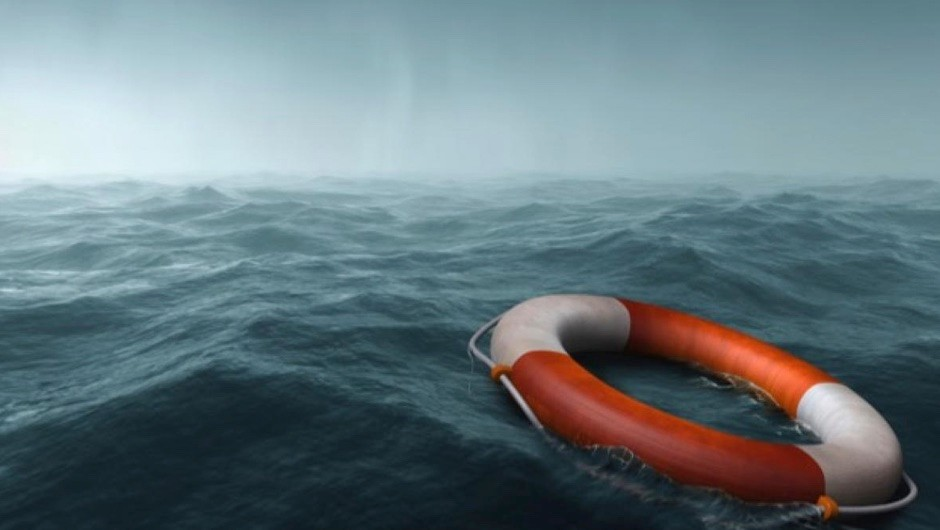 How long does it take for a body to decompose at sea? © iStock