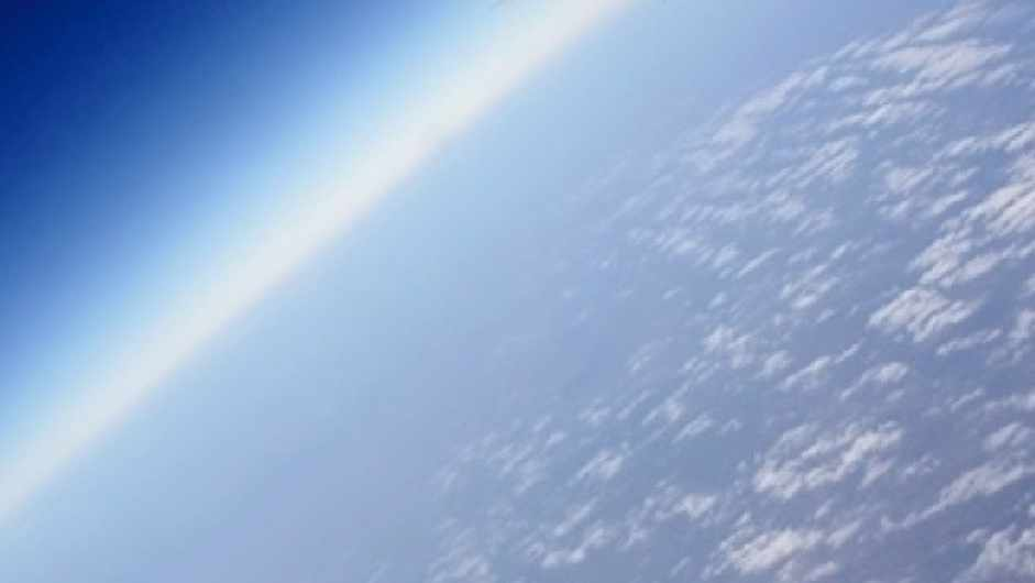 Is atmospheric oxygen declining, and does it matter? © Sony DSC