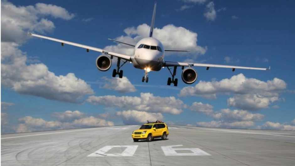 How many cars equal the CO2 emissions of one plane? © iStock