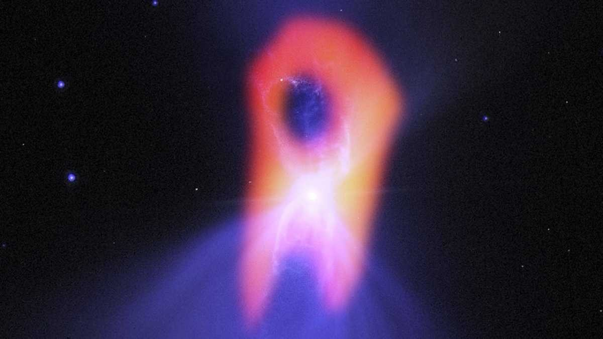 The coldest place in the Universe looks like a ghost © Bill Saxton; NRAO/AUI/NSF; NASA/Hubble; Raghvendra Sahai