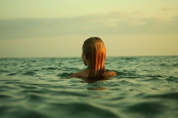 How long could you live submerged up to your chin in water? © iStock