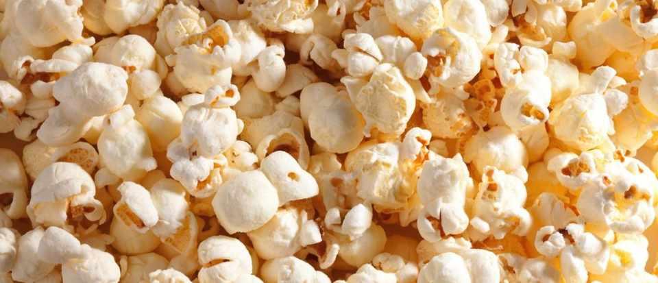 How does popcorn pop? © iStock