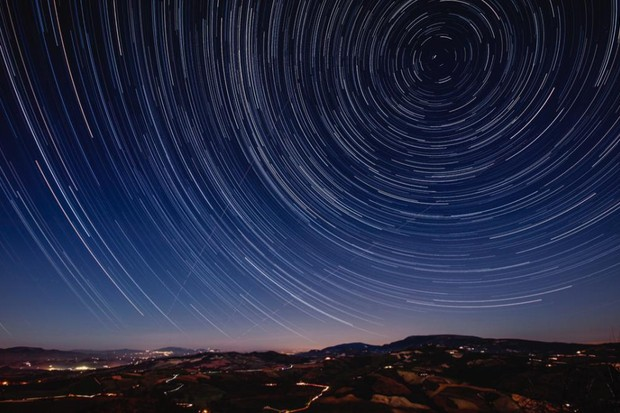 How is the distance to stars measured? © iStock