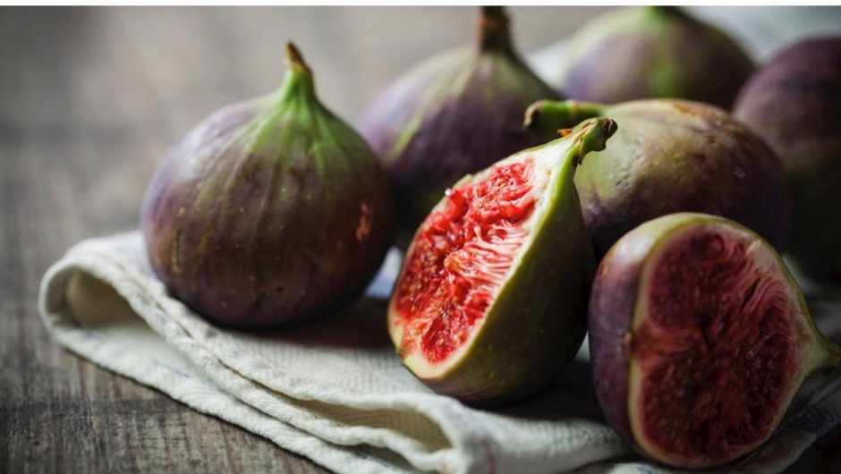 Is it true there are dead wasps in figs? © iStock