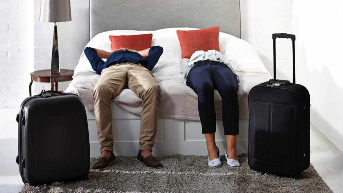 This is why you can't sleep in a new bed © iStock