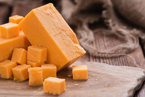 Why does mild cheddar slice more easily than mature cheddar? © iStock
