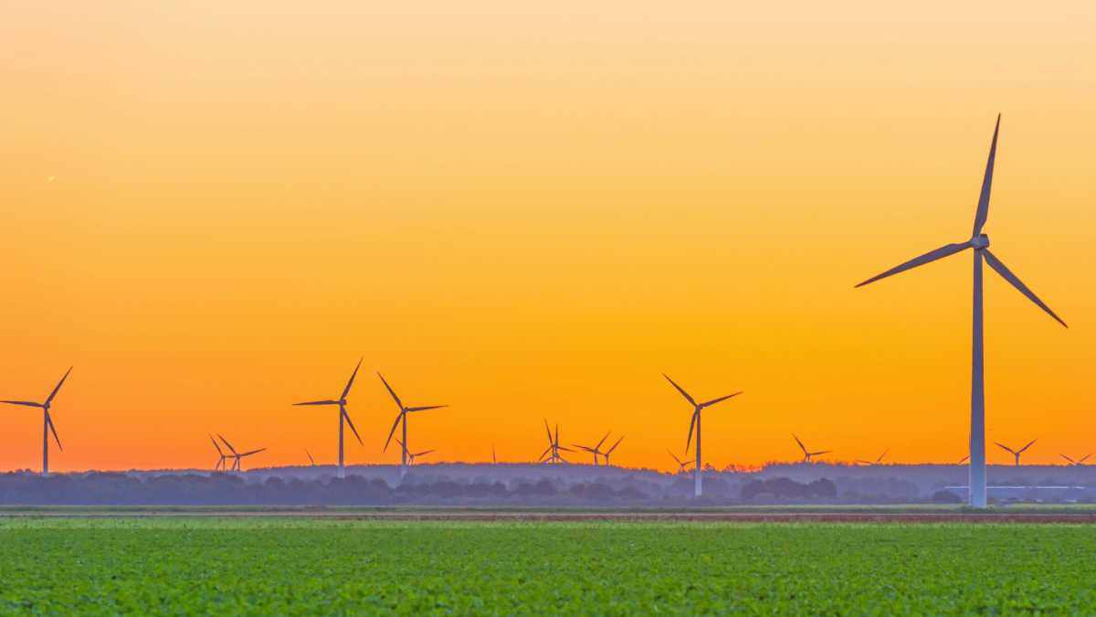Do wind turbines ever all stop at once? © iStock