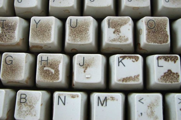 Which harbour more germs – touch screens or keyboards? © iStock