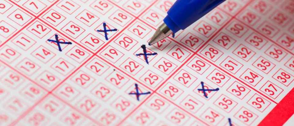 Is it better to play the same lottery numbers every time? © iStock