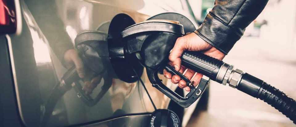 How can I cut my car's fuel consumption? © iStock