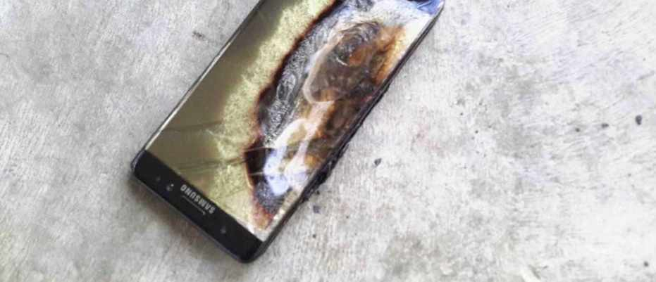 This Samsung Galaxy note 7 has seen better days... © crushader/imgur