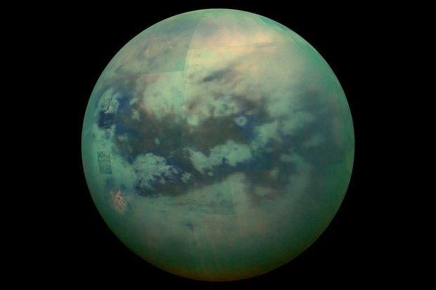 Infrared image of Titan © NASA