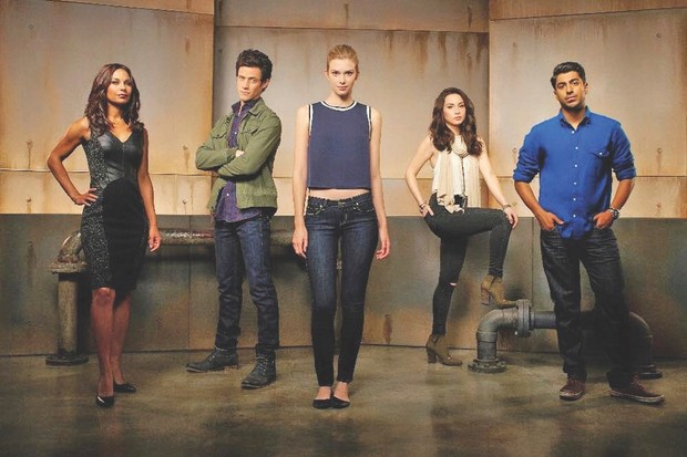 stitchers-cast-vr-virtual-r