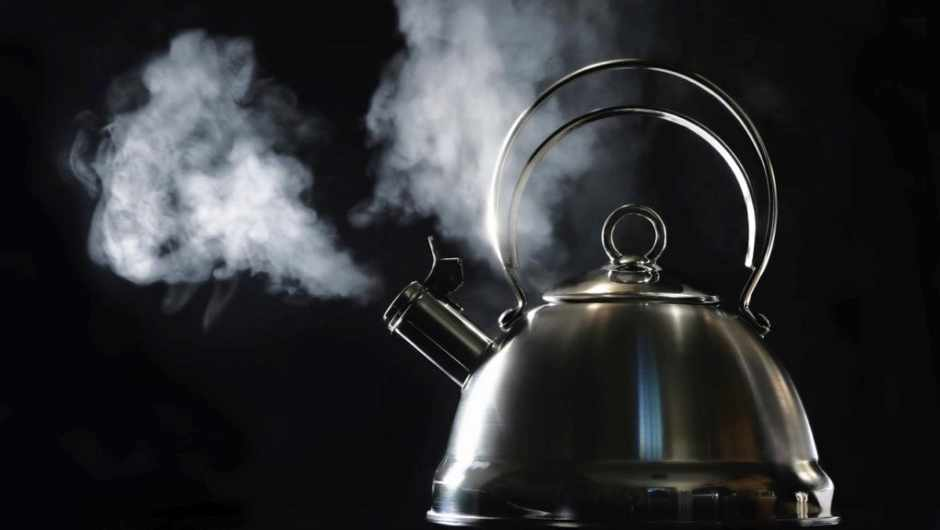 What would happen if all UK households boiled a kettle at the same time? © iStock