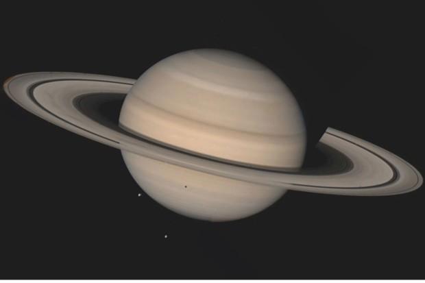 Saturn © NASA