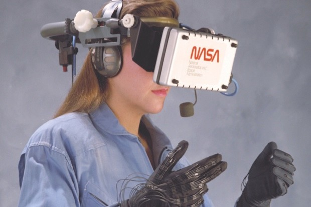 Virtual Environment Reality workstation technology (© NASA)