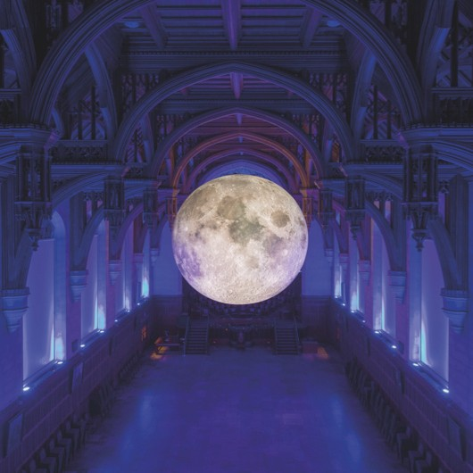 Artist Luke Jerram has hung a seven-metre model of the Moon in Hull Minster, and on 11 September, for one night only, you can sing along to space-themed tunes with the University of Hull Chapel Choir. © British Science Association
