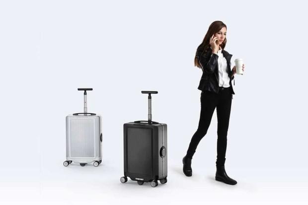 CowaRobot R1 suitcase