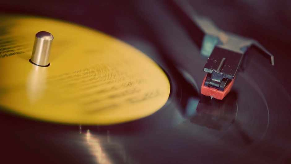 Do vinyl records really sound better than CDs? © Getty Images