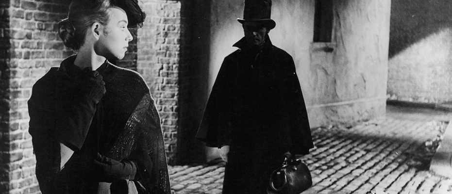 A scene from the film 'Jack The Ripper', 1959. (Photo by Paramount/Getty Images)