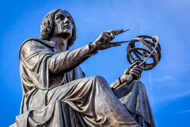 Monument of great astronomer Nicolaus Copernicus made by Bertel Thorvaldsen in 1822, Warsaw, Poland © Getty Images