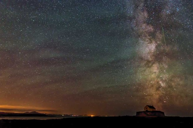cover 08 - Kevin Lewis - Perseid over St. Cwyfan Church