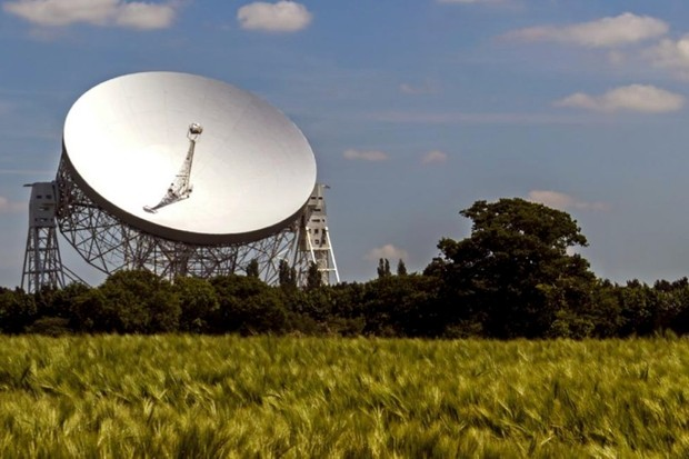 Should we be spending time hunting for aliens? ©iStock
