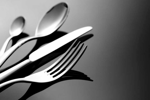 Does cutlery affect the taste of food? © iStock
