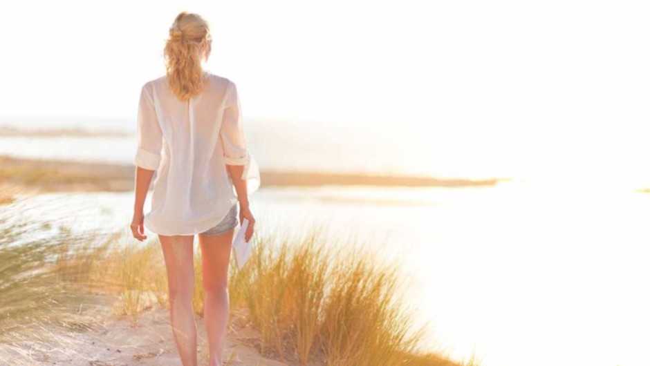 30011c3cbc49 Do white clothes really keep you cool in summer  - BBC Science Focus ...