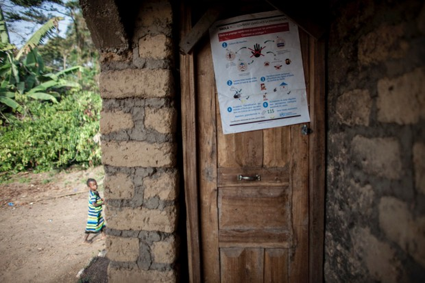 A poster promoting Ebola awareness on the door of a home in Meliandou, Guinea on January 25, 2015 © Getty Images